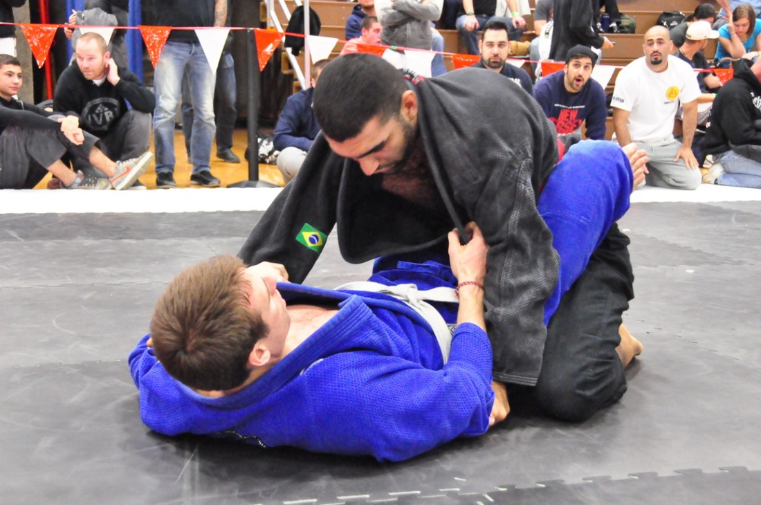 Competition closed guard